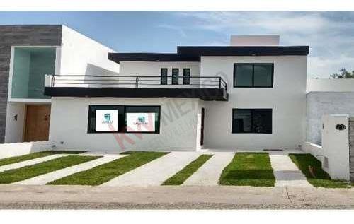 Casa Funcional Con Dos Recamaras En Planta Baja, Excelentes Espacio, Roof Garden