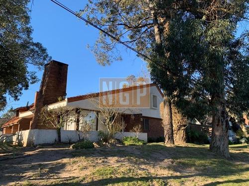 Linda Casa Lindo Entorno-ref:18570