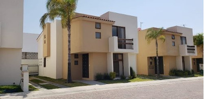 Casa Renta Real Del Lago Juriquilla Qro 198 M2 Construccion