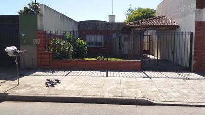 Casa 3 Ambientes. Caseros U$s 180.000 Con Facilidades.