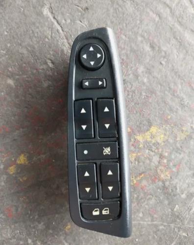 Imagem 1 de 2 de Conserto Botão Vidro Elétrico Fiat Stilo