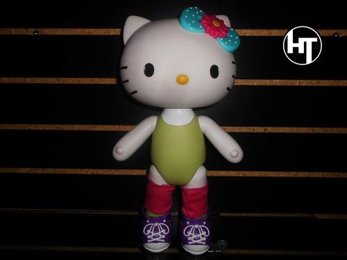 Imagen 1 de 4 de  Hello Kitty, Muñeca, Original Blip Toys, Con Ropa De Tela,