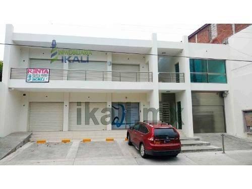 Renta Local Comercial 24 M² Centro Tuxpan Veracruz, En La Calle Galeana # 5-b De La Colonia Centro, A Un Costado Del Estero Y Del Puente De Tenechaco, Cuenta Con 24 M² Son 3.20 M. De Frente, Medio Ba