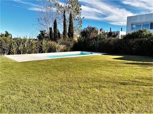 Alquiler Casa Los Olivos 3 Dormitorios En Suite  Piscina