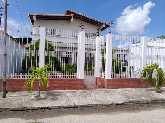 Casa Amplia De 2 Niveles Codigo Glc-427
