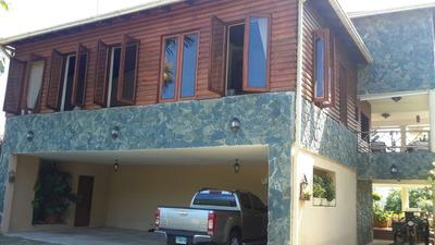 Finca Con Casa De Tres Niveles En Los Mogotes