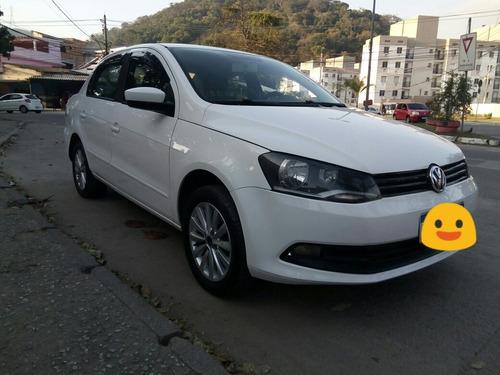 Imagem 1 de 9 de Volkswagen Voyage 2014 1.6 Vht Total Flex 4p