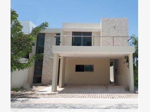 Casa Sola En Venta Temozon Norte