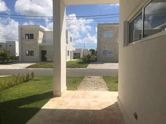 Casa En Renta De 2hab, Ciudad La Palma En Punta Cana