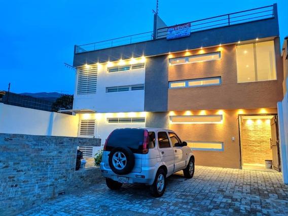 Casa A Estrenar En Urb. Bajumbal, Barrio Sucre.