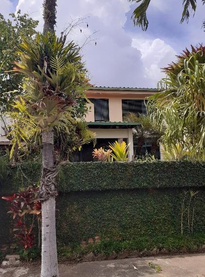 Se Vende Casa 224m2 3h+s/3b+s/3p La Unión