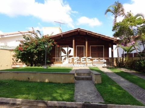 Venda Casa - Condomínio Arujá Country Club - Arujá. Imóvel At: 375 M² E Ac: 250 M² Distribuídos Em 2 Dormitórios Sendo 1 Suite Com Sacada, Sala Para 3 - Ca00380 - 1312188