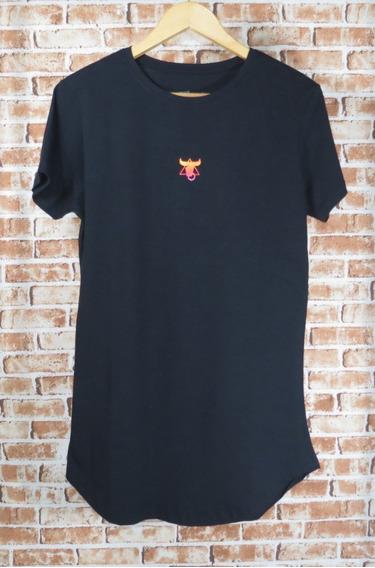 Camiseta Masculina Alongada Com Elastano Caveira