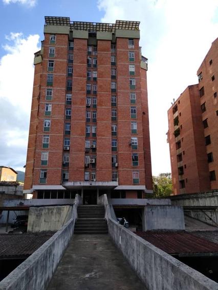 Apartamento En Alquiler Res.la Bermeja