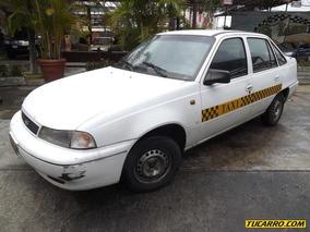 Taxis Daewoo Cielo Sedan