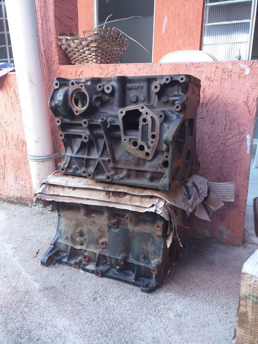 Imagem 1 de 3 de Bloco Motor Bora Golf 2.0