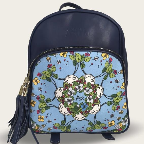 Mochila Lupe. 100% Cuero Azul. Estampa Cielo De La Colección