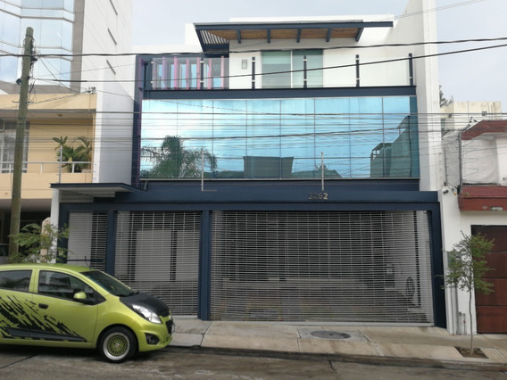 Consultorio/ Oficina En Renta En Acueducto Providencia, Guadalajara.