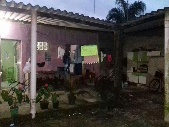 Casa Com Salão Comercial Na Frente, Bairro Sion Em Itanhaém,