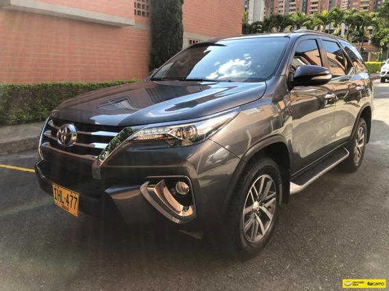 Toyota Fortuner 4*4 2800cc