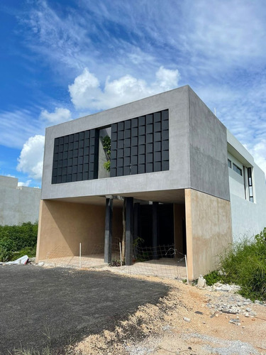 Imagen 1 de 17 de Departamento Tipo Townhouse En Saro Temozon Norte