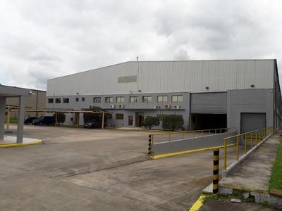 Nave De 5500 M2 En Parque Industrial Pilar