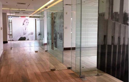 Imagen 1 de 10 de Estupenda Oficina, Edificio Y Habilitación De Primer Nivel.
