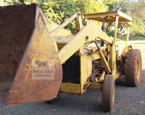 Retroescavadeira Pula Pula Massey Ferguson 65r 4x2 Ano 1985