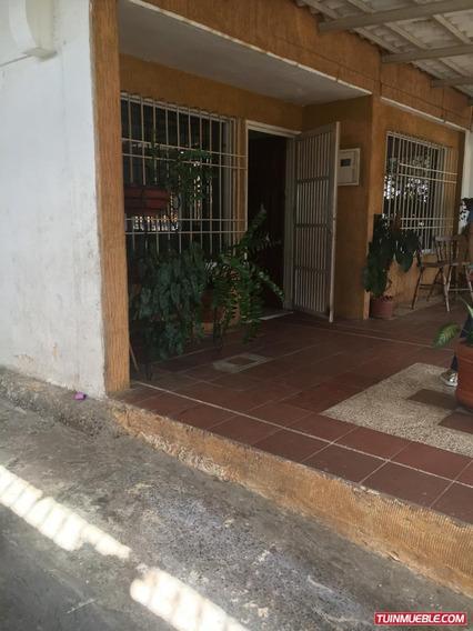 Casa En Manoa Con Local En Avenida Gumilla