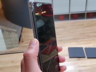 Celular S10 Tela Trincada Mais Da Usa!