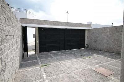 Renta De Casa Amueblada En Juriquilla