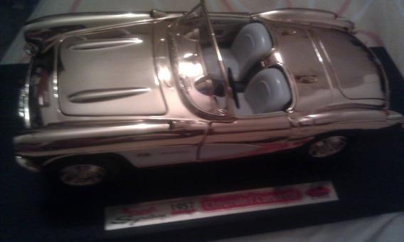 Corvette 1957 24k Gold Edition 1/18