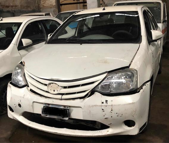 Toyota Etios 1.5 Xs Chocado -en Marcha Listo Para Transferir