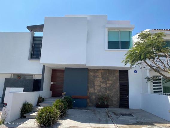 Casa En Renta En El Refugio, Queretaro, Rah-mx-20-1606