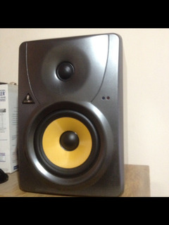 Monitores Behringer B1030a Truth