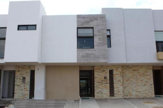 Casa En Venta En El Refugio # 18-272 Jl