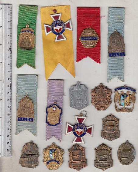 16 Medallas Escolares