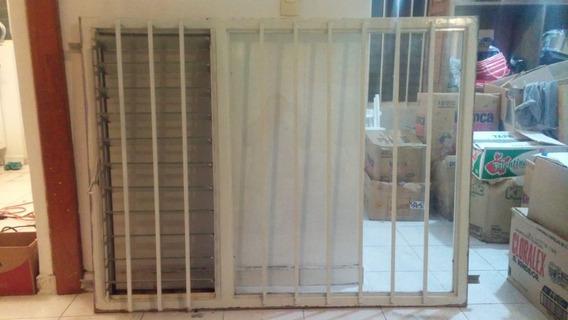 Ventana De Hierro Con Vidrios Completos No Abatible