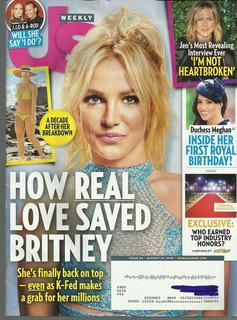 Revista Us: Britney Spears / Ashlee Simpson / Cynthia Nixon
