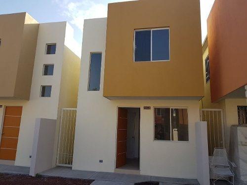 ¡¡casa Nuevecita En Uno De Los Mejores Sectores De Mitras Poniente!!