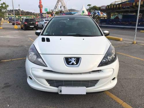 Imagem 1 de 15 de Peugeot 207 2013 1.6 16v Quiksilver Flex 5p