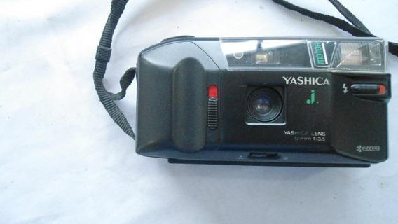 Máquina Fotográfica Yashica Lens