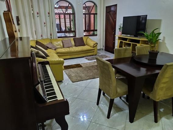 Casa Mobiliada, 4 Dormitórios, 3 Suítes