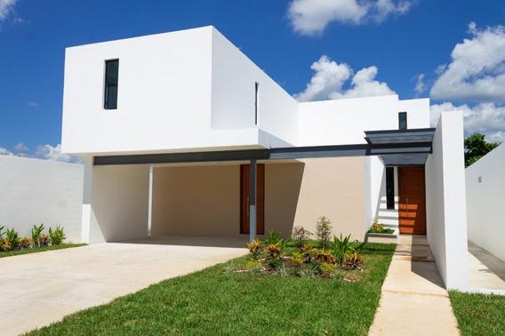 Casa Nueva En Esquina Frente A Las Amenidades, Arbórea, Lote 154, Conkal, Mérida
