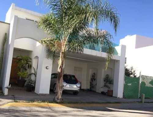 Hermosa Casa En Renta En Punta Del Este Muy Amplia, 3 Recam