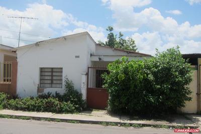 Casa En Venta En Charallave Urb Chara Cb Mls 17-7128