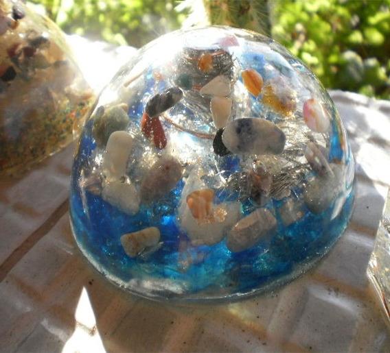 Orgonite De Cristais Dome Meia Lua Base Em Azul Encomenda