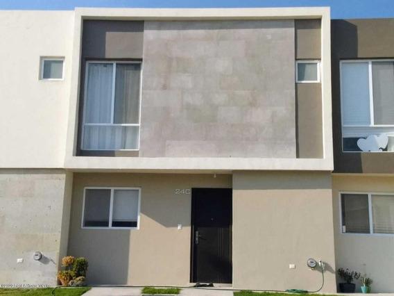 Casa En Renta En Zakia, El Marques, Rah-mx-21-483