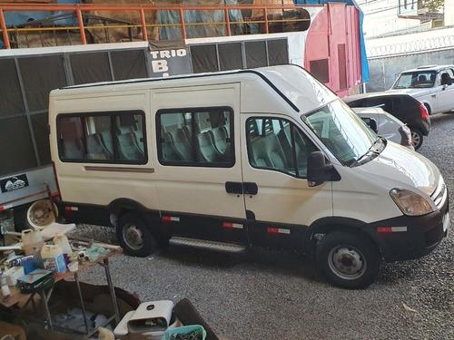Imagem 1 de 13 de Iveco Daily 45s16 Minibus
