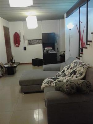 Alquilo Habitacion En Casa De Familia, Solo Femenina